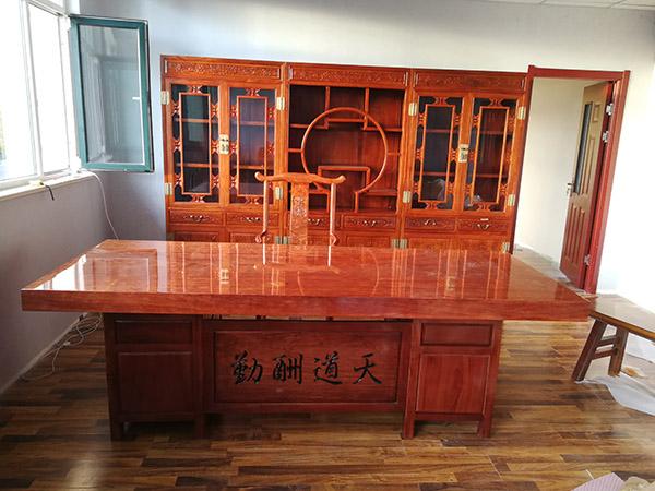 巴西花梨办公桌 红木大板桌